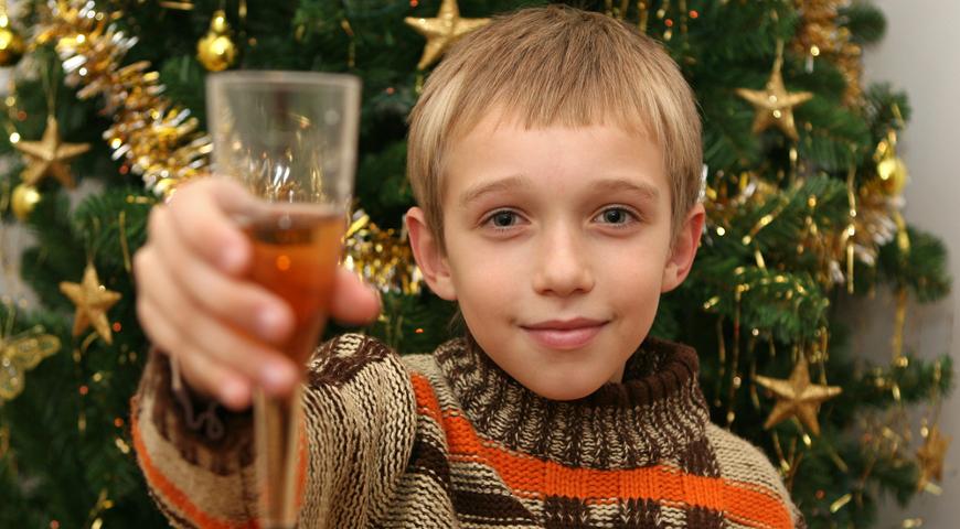 Онищенко высказался против детского шампанского