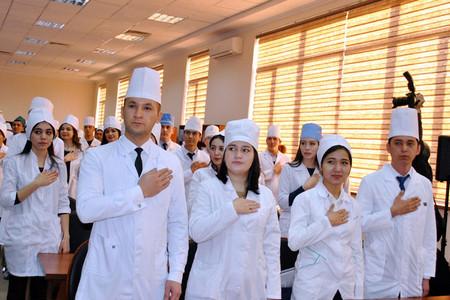 20 апреля Первый региональный Форум выпускников медицинских вузов Северо-Западного региона РФ Завтра выпуск Что дальше